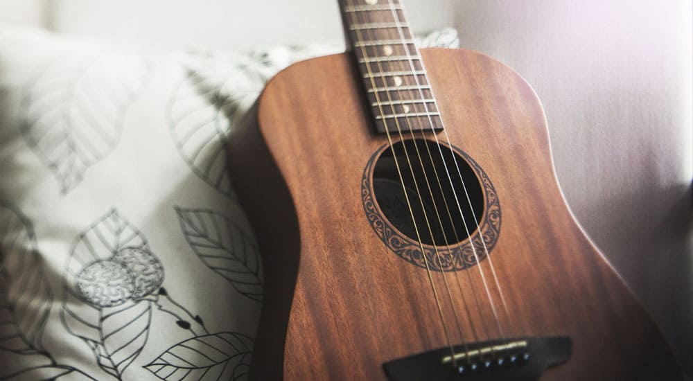 The Best Acoustic Guitar Strings for Warm Sounds | MusicGearHQ